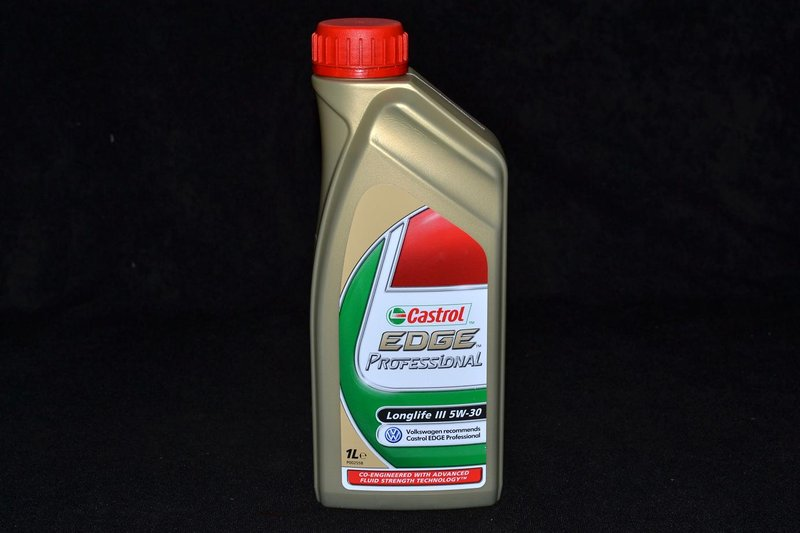 1 liter castrol edge professional longlife iii levoil. Black Bedroom Furniture Sets. Home Design Ideas